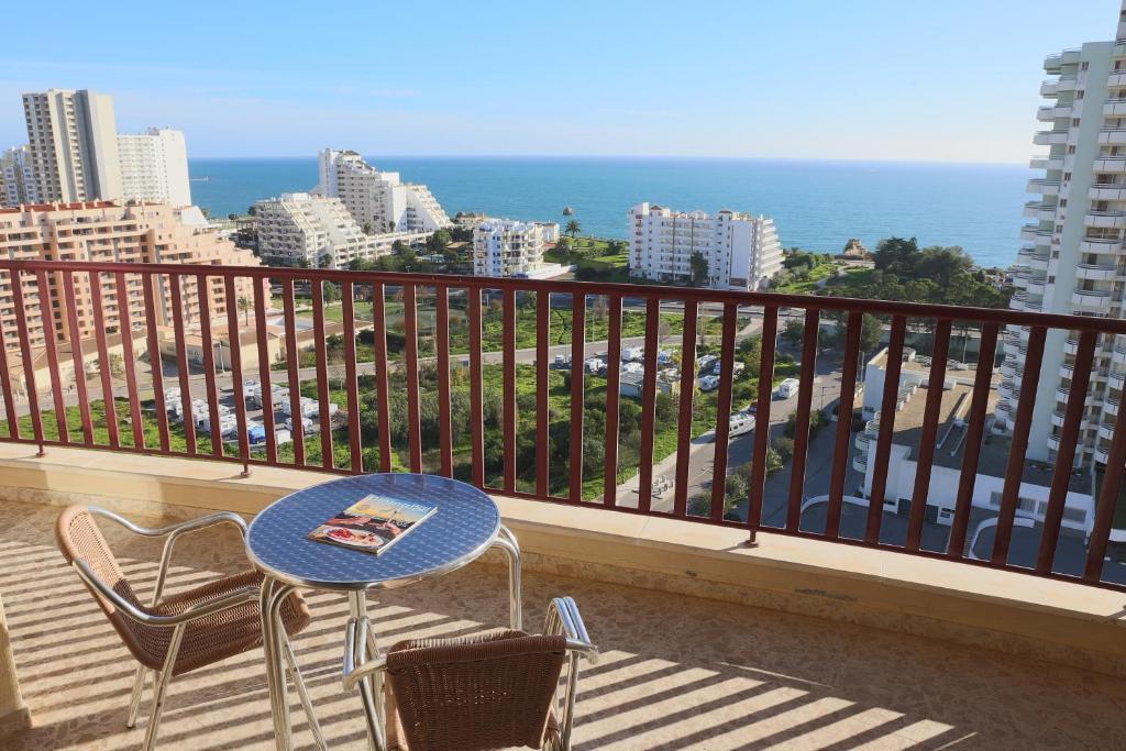 A balcony or terrace at Clube Praia Mar Apartamentos Turísticos