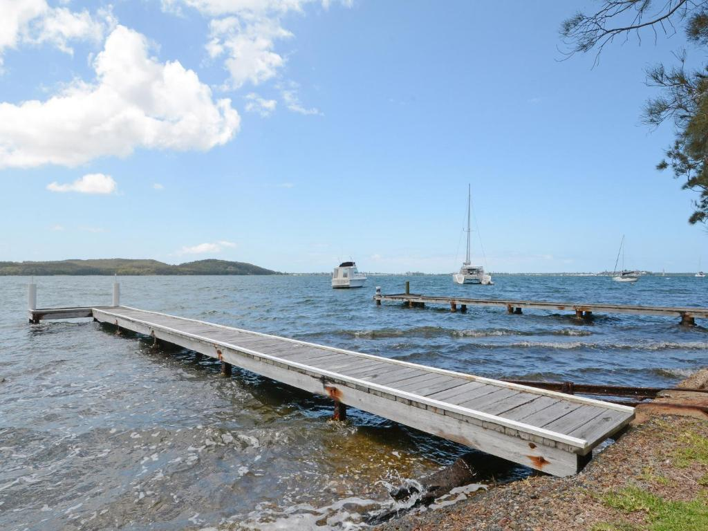 case analysis carey v lake macquarie An anecdotal boom in razor clams in lake macquarie has sparked a research project into the potential environmental impacts of removing them.