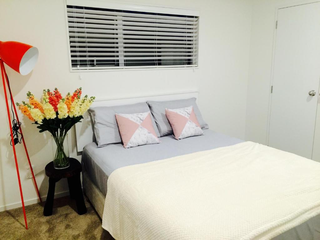 unique home-glenfield b&b, auckland, new zealand - booking