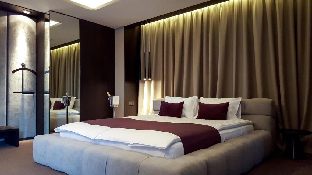Ліжко або ліжка в номері RiverSide- Restaurant, Hotel, Beach