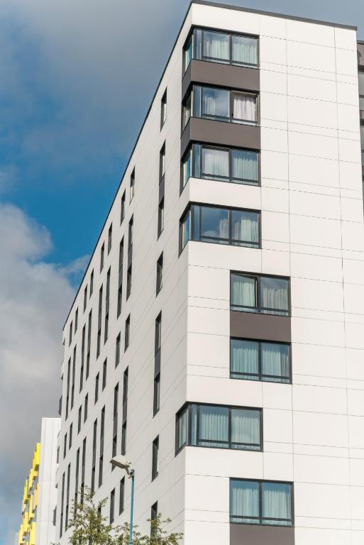Condo hotel appart 39 city paris bobigny france for Paris appart hotel