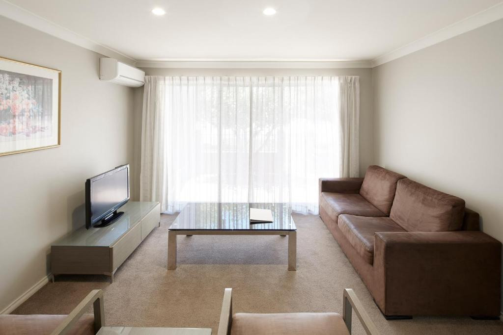Pinnacle Apartments, Canberra, Australia - Booking.com