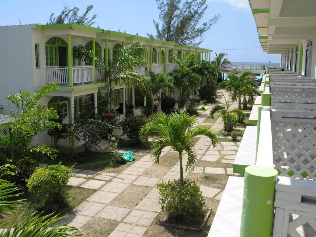 Resort Fun Beach Negril Jamaica, Jamaica - Booking.com
