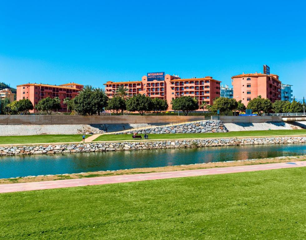Aparthotel Apartmyramar Fuengirola Spain Booking Com
