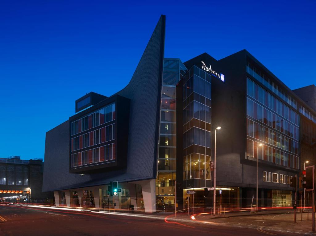Radisson blu hotel glasgow glasgow updated 2018 prices for Radisson hotel