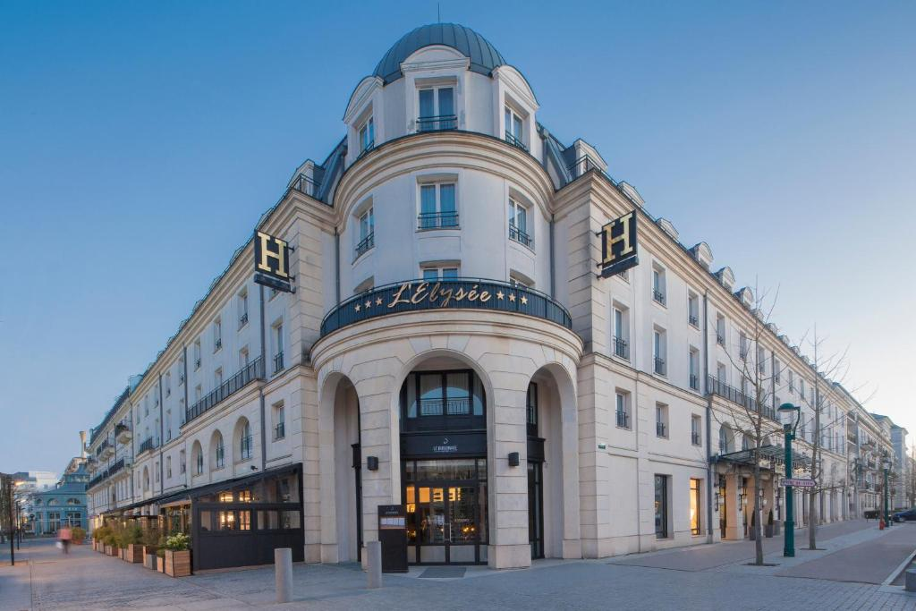 Hotel L Elysee Val D Europe Serris France Booking Com