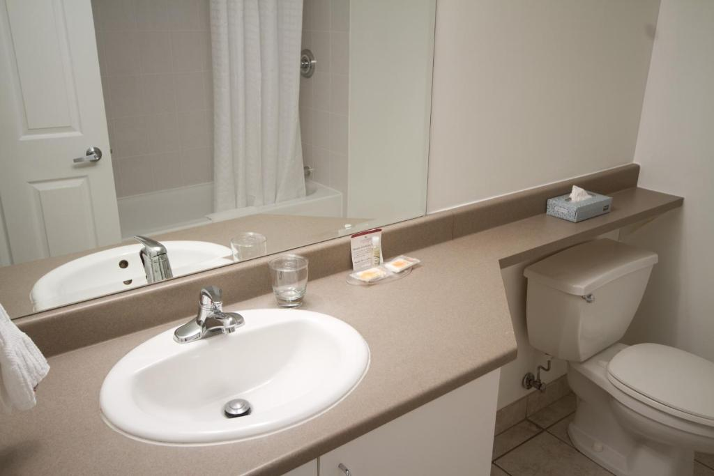 d96ee8336f Condo Hotel Candlewood Montreal Dwtn