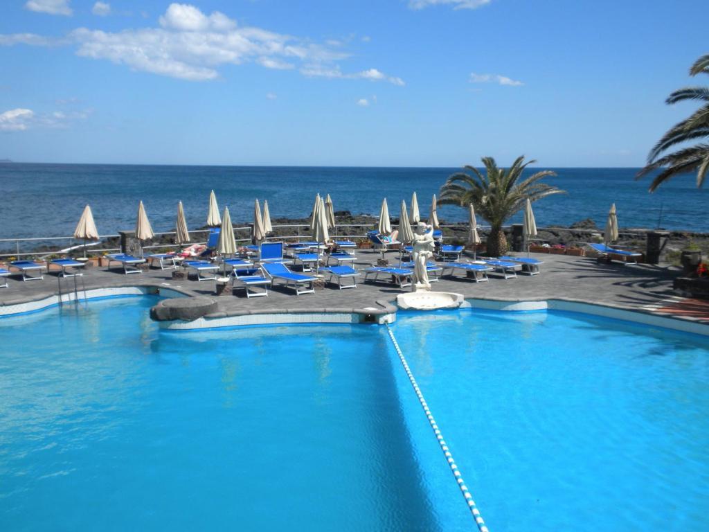 Arathena rocks hotel giardini naxos italy booking.com
