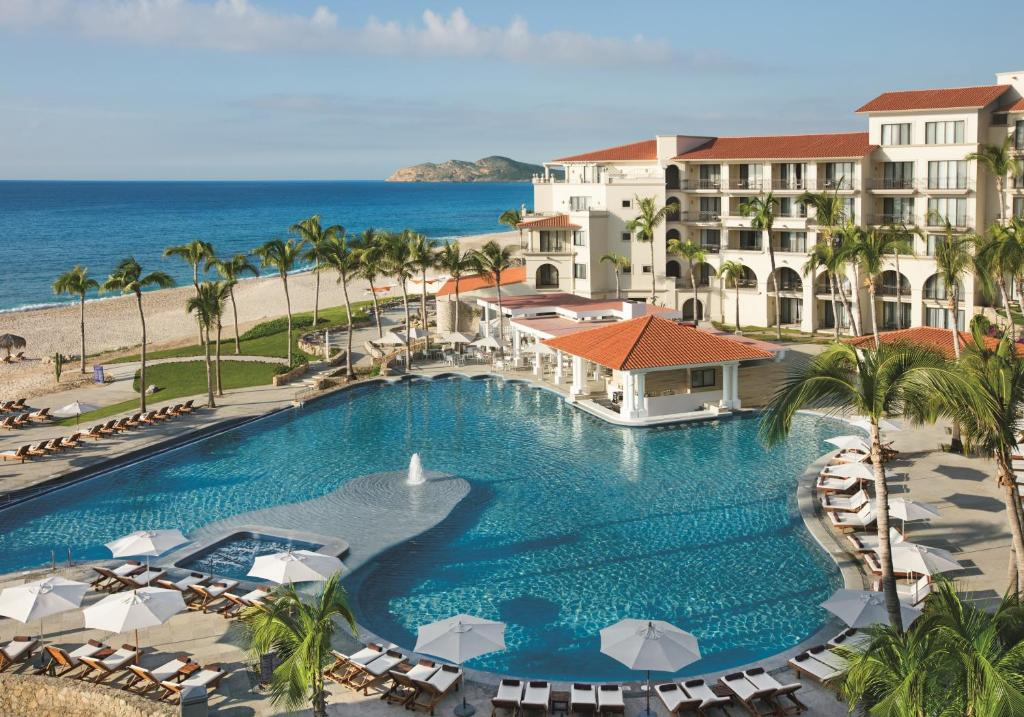 The swimming pool at or near Dreams Los Cabos Suites Golf Resort & Spa
