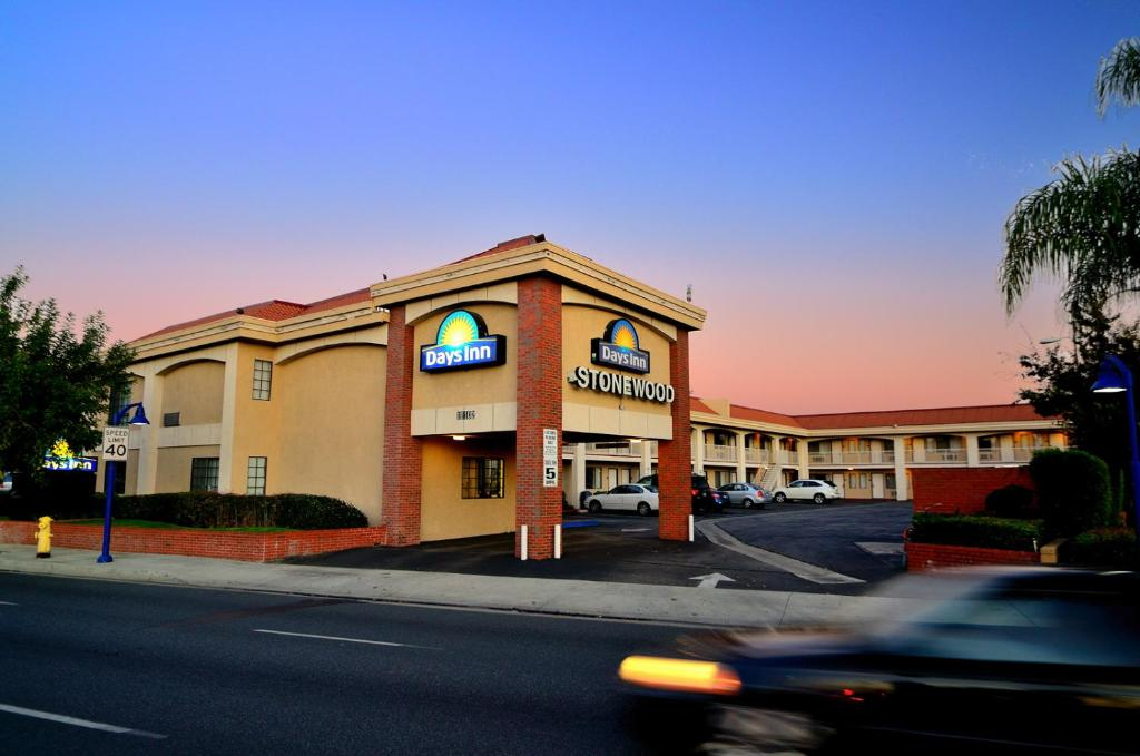 Days Inn Downey Ca Booking Com