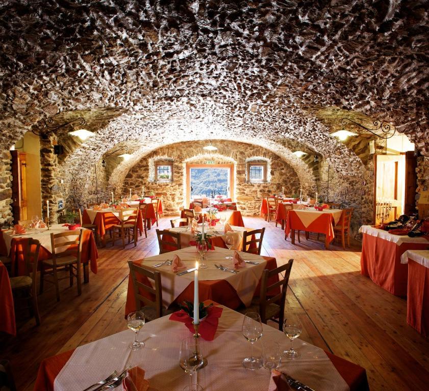 Hotel Dimora Storica Mirandola, Passo del Tonale, Italy - Booking.com
