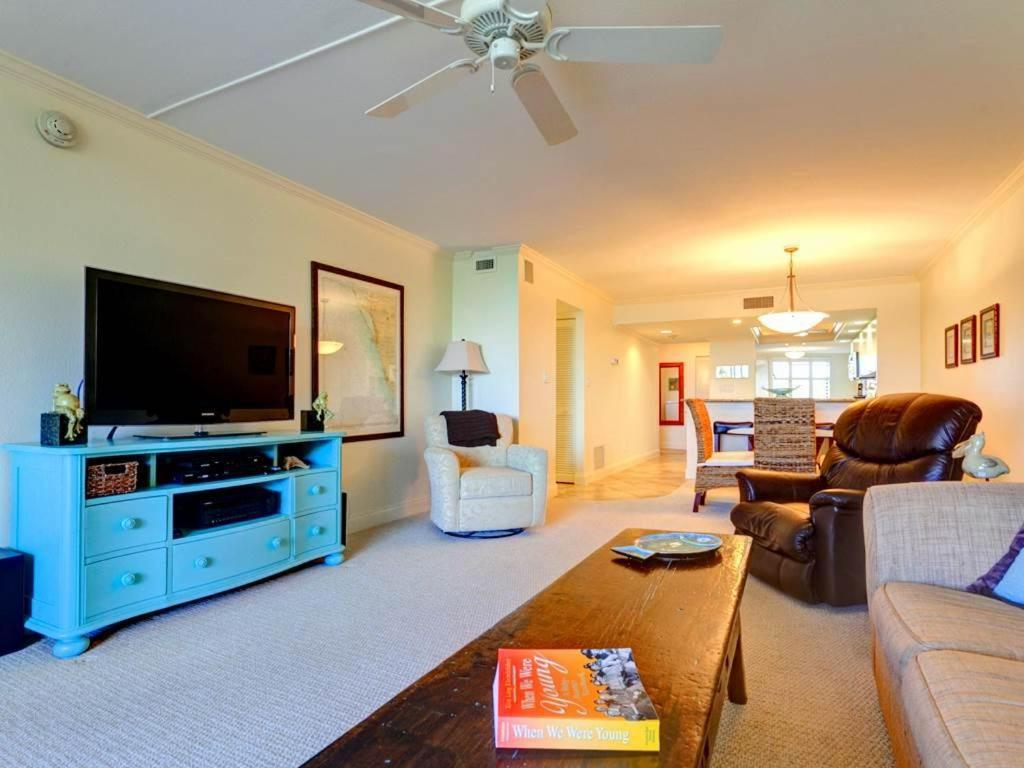 Apartment Gulf and Bay Club 305C, Siesta Key, FL - Booking.com
