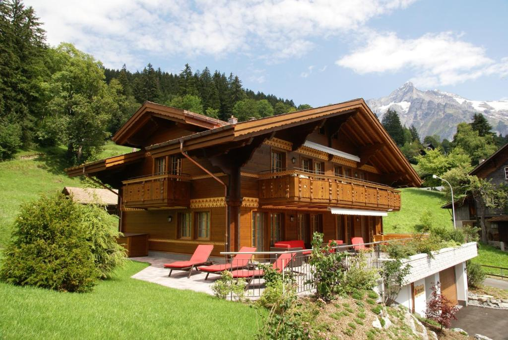 Chalet princess griwarent grindelwald switzerland for Chalet homes