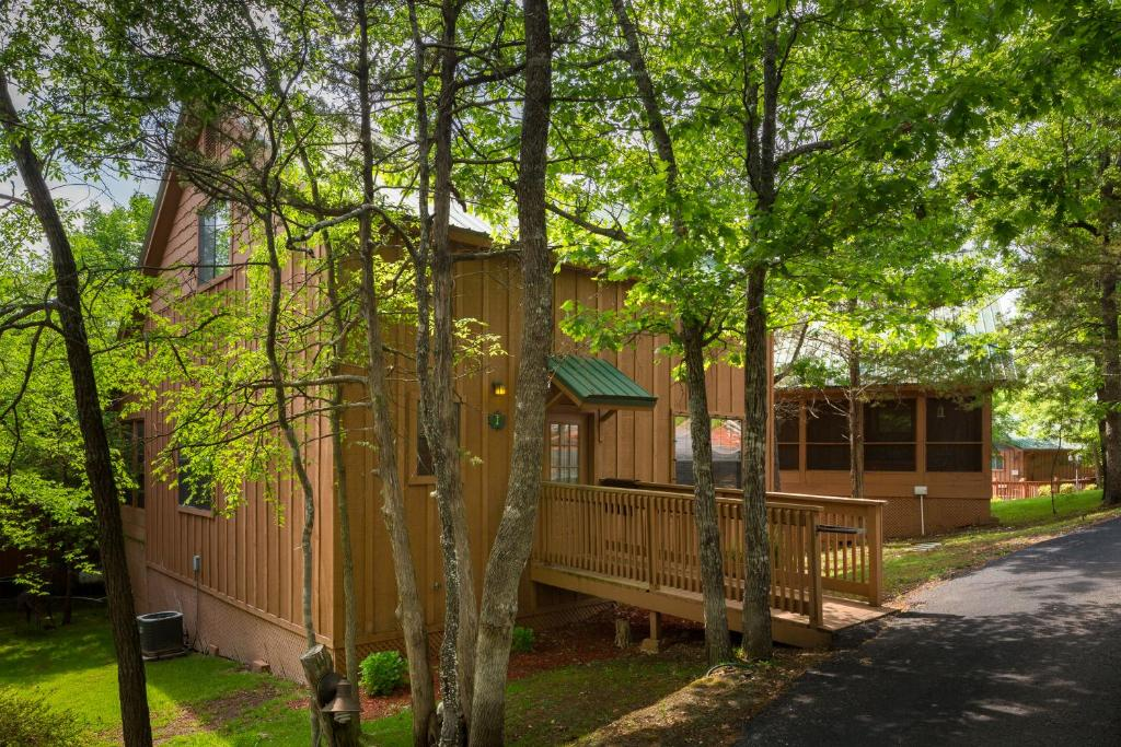 branson cabin in pictures htm log hollow missouri hawk rental about cabins