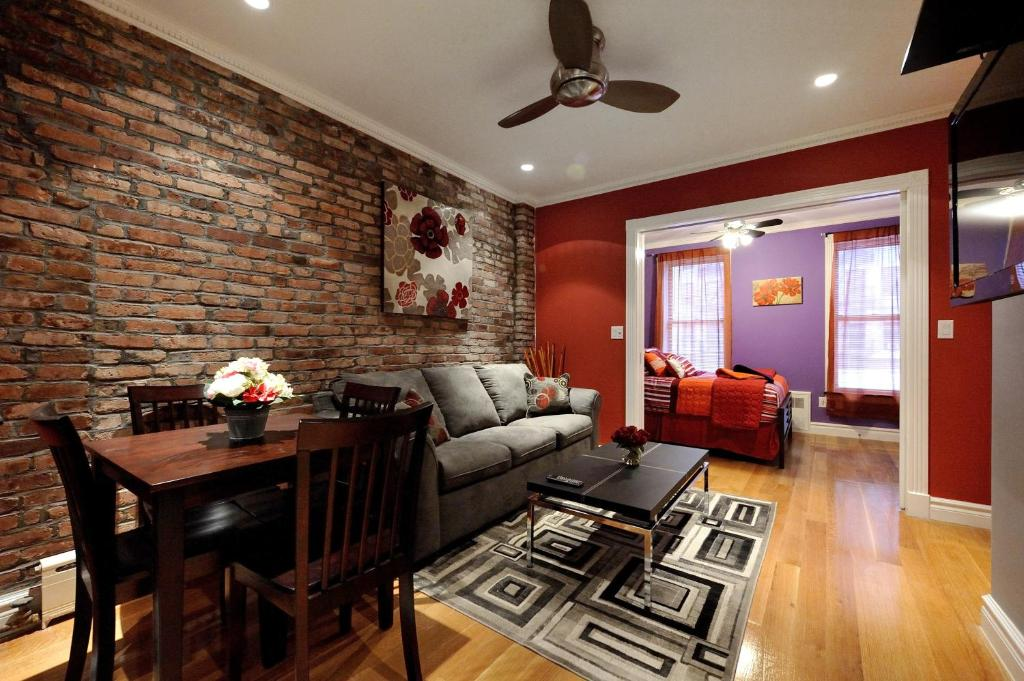 Apartment Stylish Upper East Side 48 Bed 48 Bath New York City NY Awesome 2 Bedroom Apartments Upper East Side Property