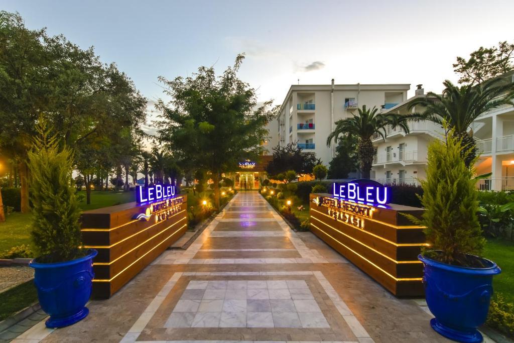 Le Bleu Hotel & Resort Kusadasi - Ultra All Inclusive