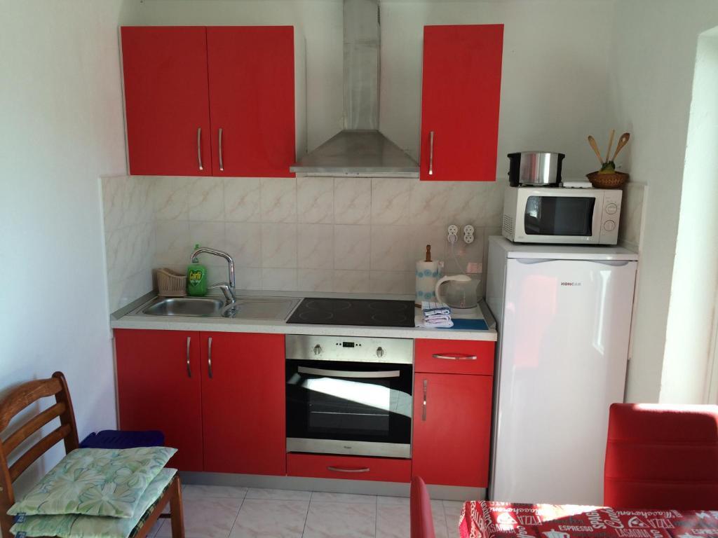 38 photos close apartments tudor nikola