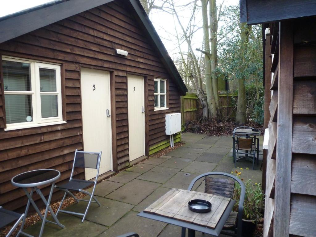 woodland lodge hoddesdon uk booking com