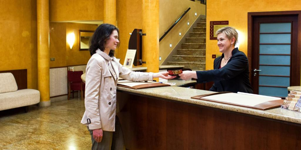 customer reviews on hotel bookings Online hotel booking offers at paytm avail special discounts attractive deals on 5 star, 3 star & luxury hotels paytm cashback on booking hotels online we advise our customers to completely ignore such communications & report to us at cybercell@paytmcom read more.