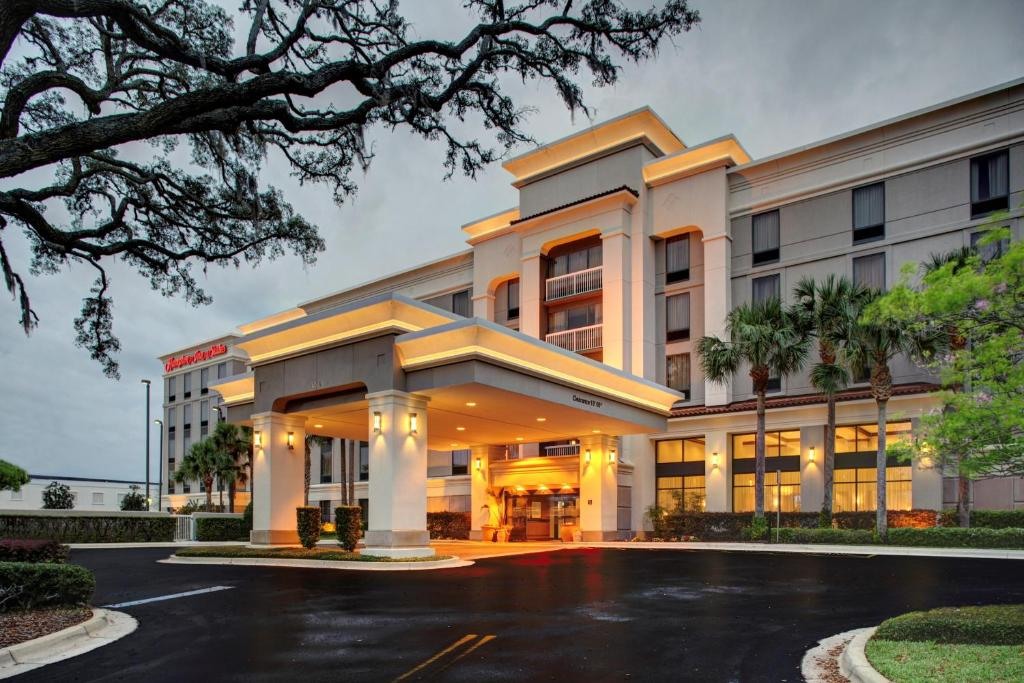 Hampton Inn Suites At Colonial Townpark