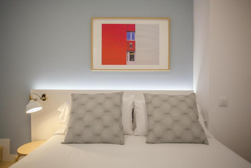 Apartment Malasa U00f1a Central Suites  Madrid  Spain