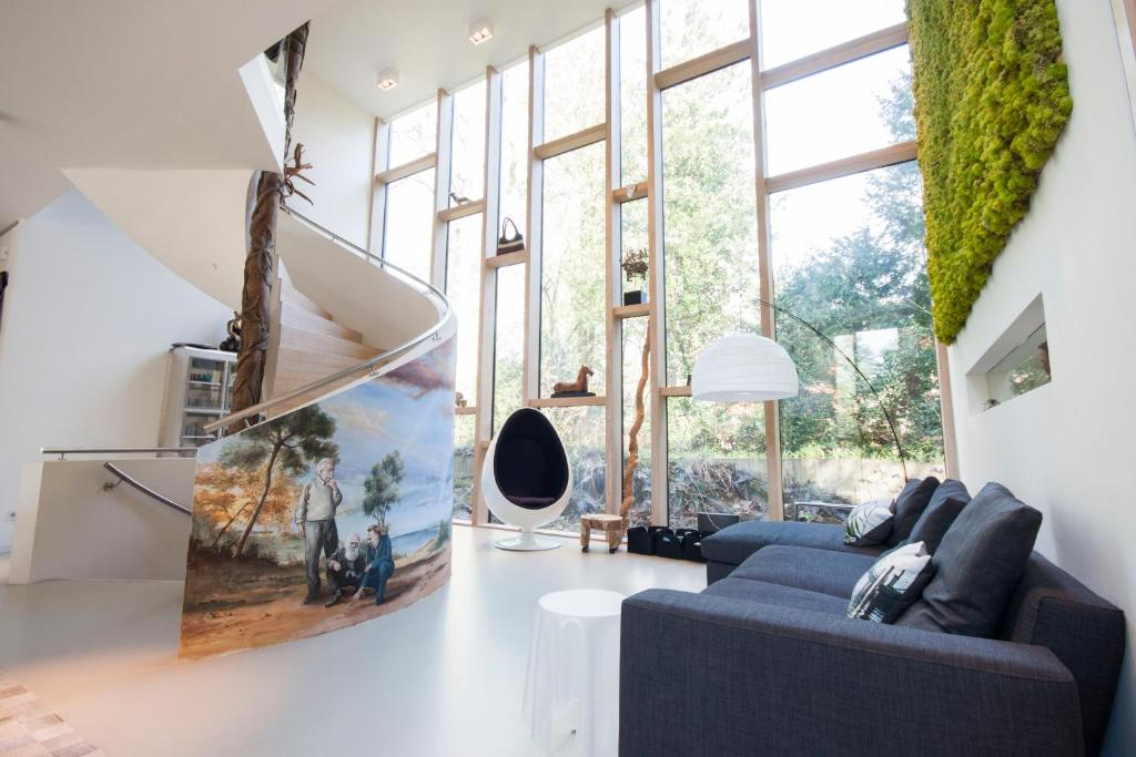 Charming Gallery Image Of This Property
