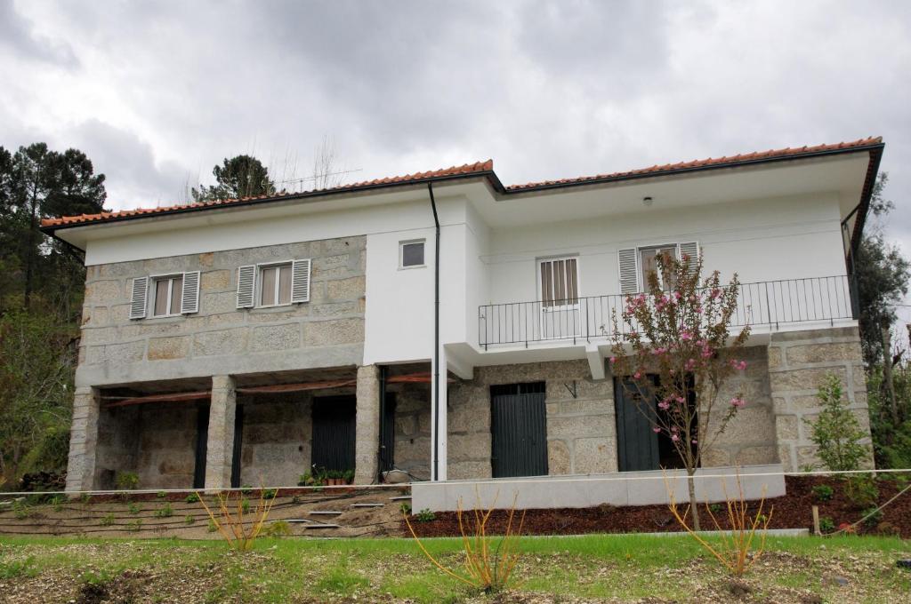 Vakantiehuis Casa dos Tios (Portugal Lufrei) - Booking.com