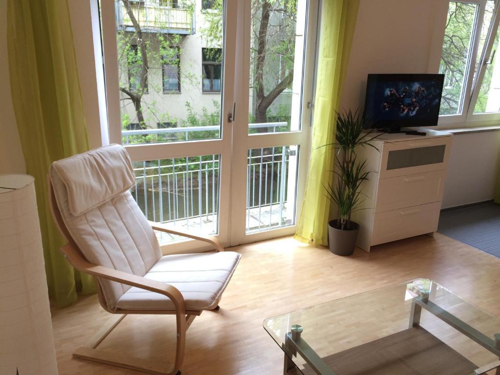 city wohnung halle am markt ferienwohnung aktualisierte preise f r 2019. Black Bedroom Furniture Sets. Home Design Ideas