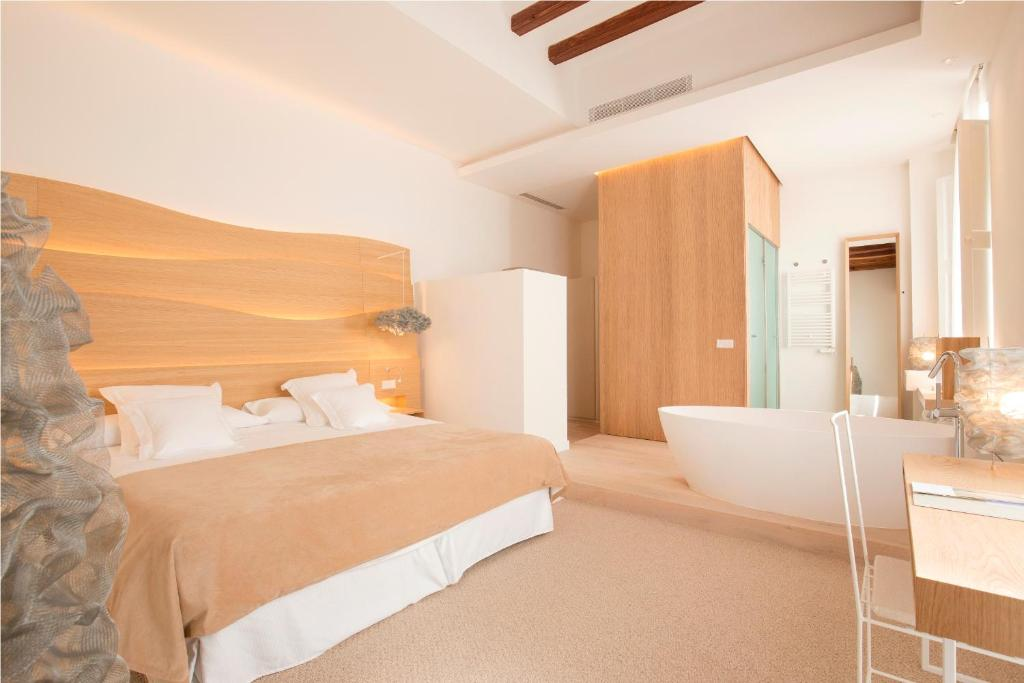 boutique hotels in palma de mallorca  43