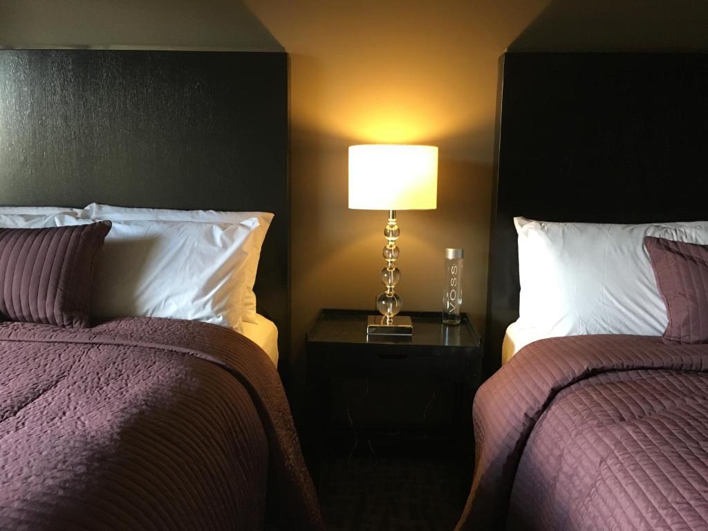 & Hotel Del Sol Phoenix Airport AZ - Booking.com