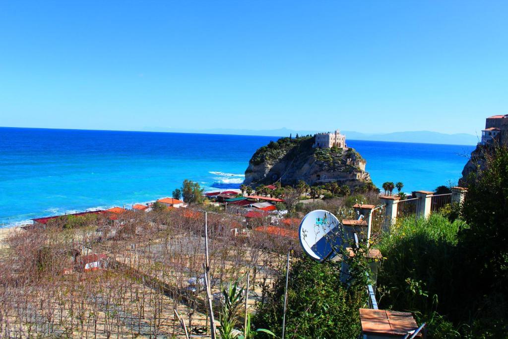 Casa vacanze casa vacanza perla italia tropea for Case vacanza barceloneta