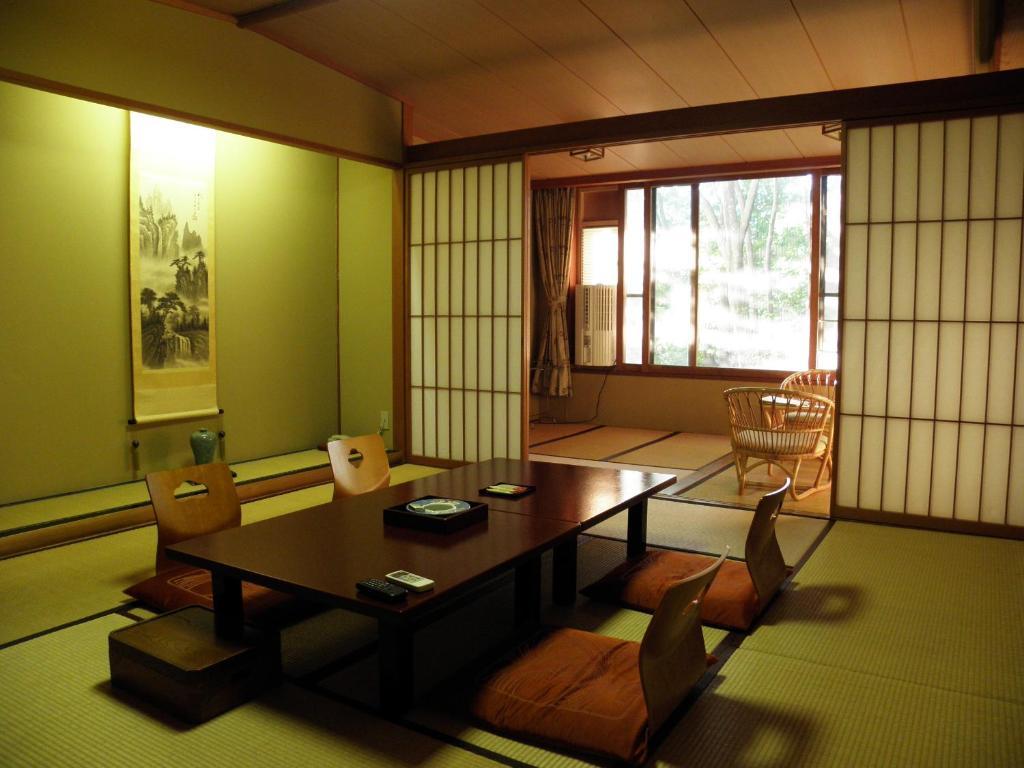 ポイント3.西側と東側で異なる趣の客室