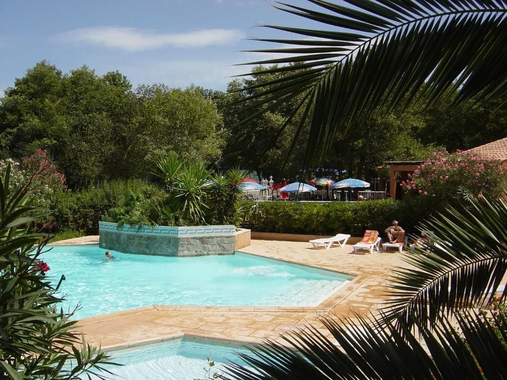 The swimming pool at or near Camping Benista