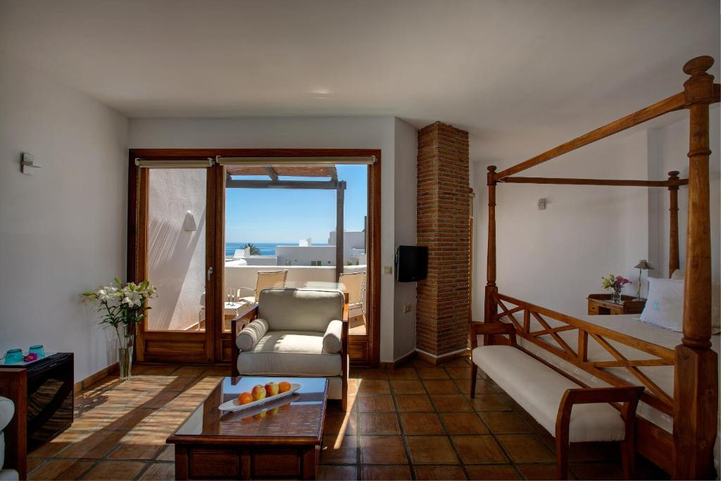 boutique hotels in agua amarga  39