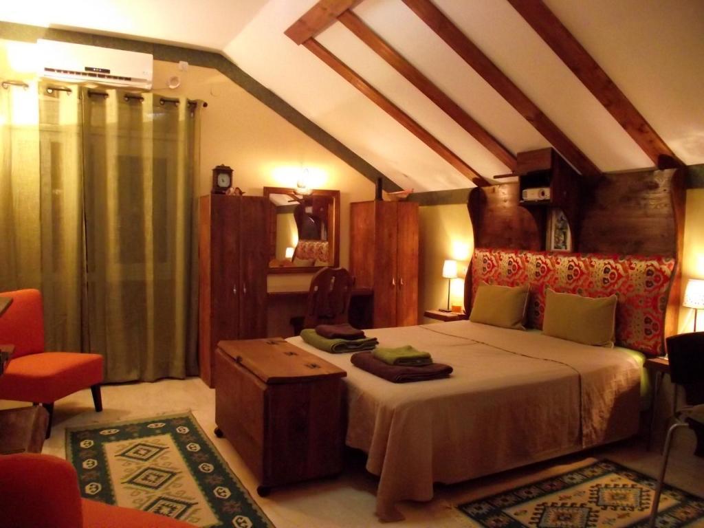 guesthouse zimmer shai tibetan style, 'ein ya'aqov, israel ... - Ein Zimmer