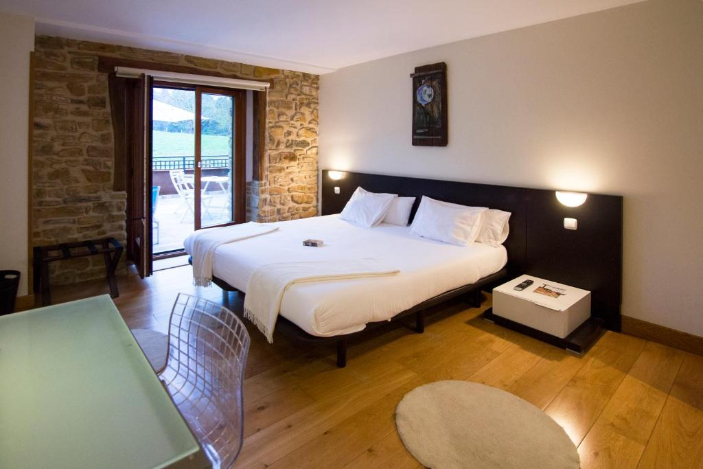 boutique hotels in muxika  19