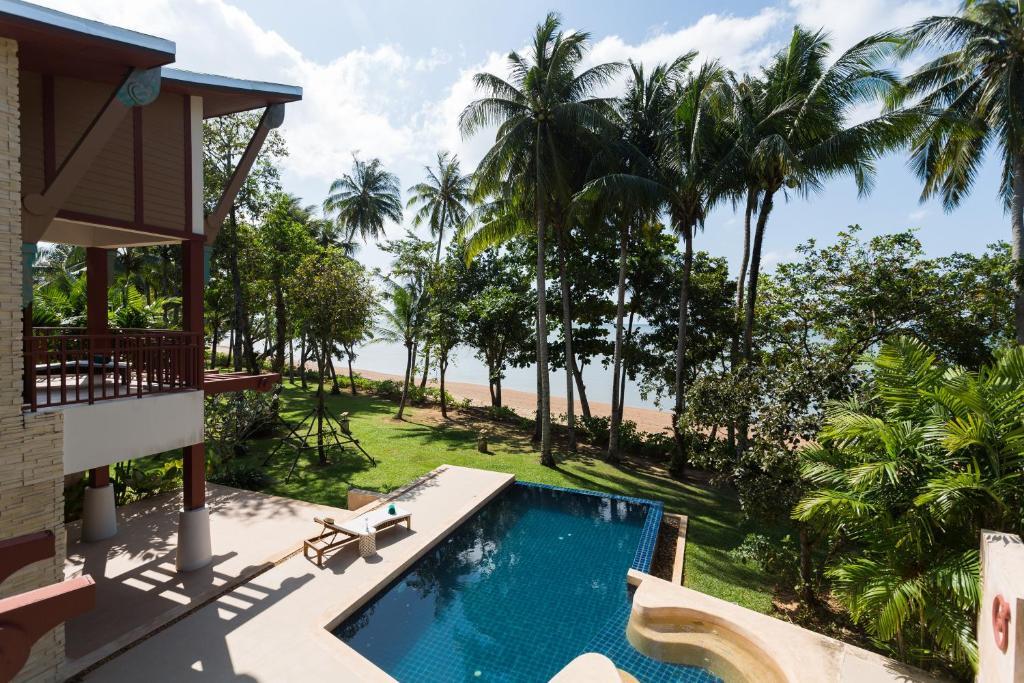 Amatapura Beachfront Villa 15, Ao Nam Mao (Thailand) Deals