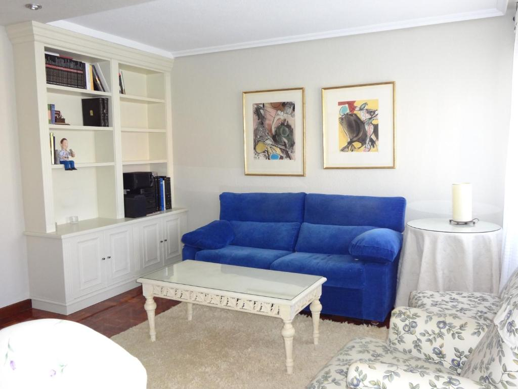 Phenomenal Apartment Sunny Apt Close To University With Parking And Wifi Wiring Cloud Geisbieswglorg