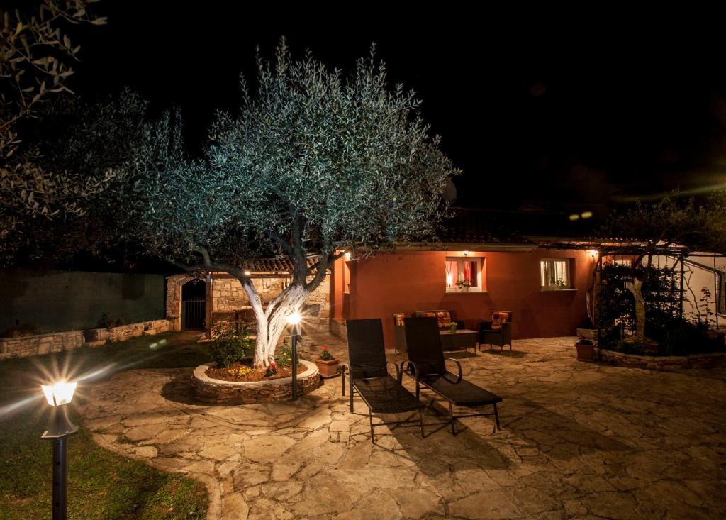 Schöne Terren | Vacation Home Casa Terren Grande Rovinj Croatia Booking Com