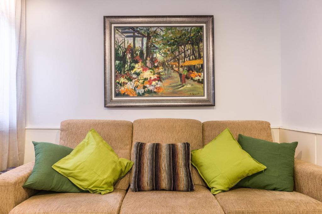 gran imagen de Akira Flats Sant Pau apartments