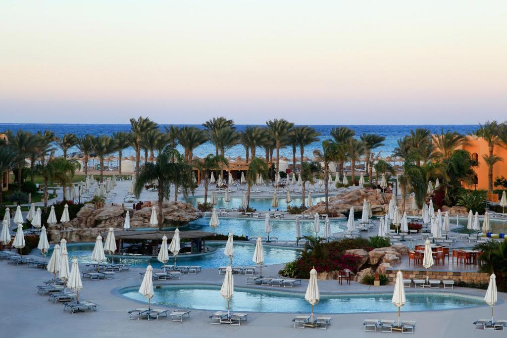 Het zwembad bij of vlak bij Stella Di Mare Beach Resort & Spa