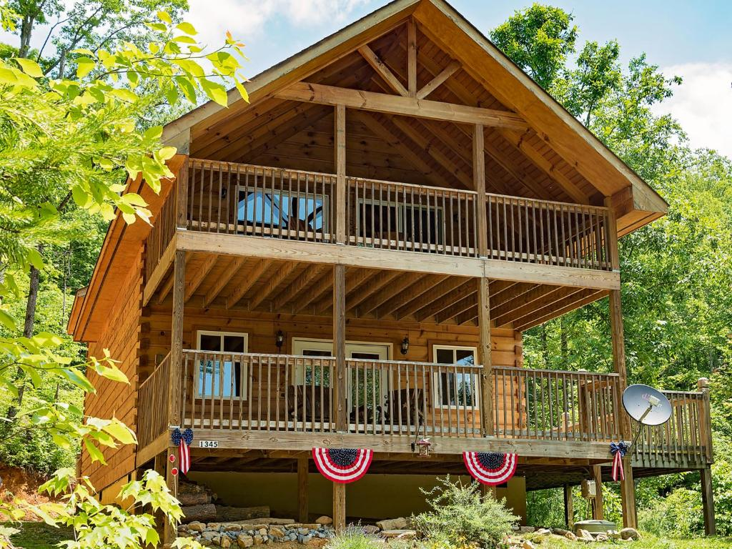 Vacation Home Log Cabin in Smoky Mountains, Sevierville, TN ... on