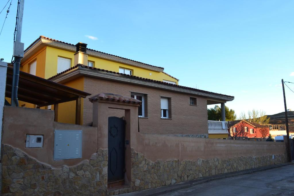 Apartment Casa Dobón, Castralvo, Spain - Booking.com