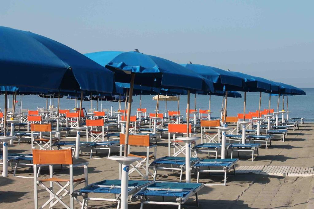 Apartment colombo marina di carrara italy - Webcam bagno morgana ...