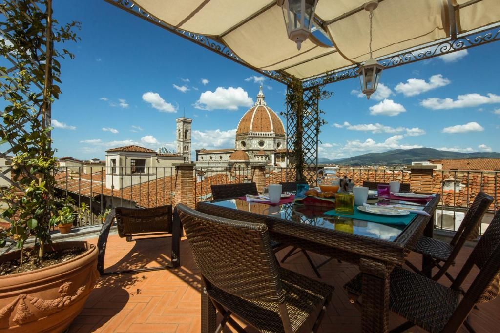 apartment duomo penthouse terrace florence italy