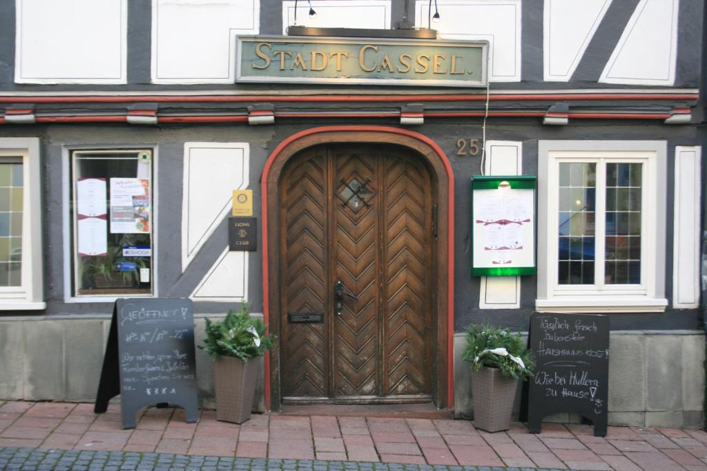 The facade or entrance of Hotel Stadt Cassel