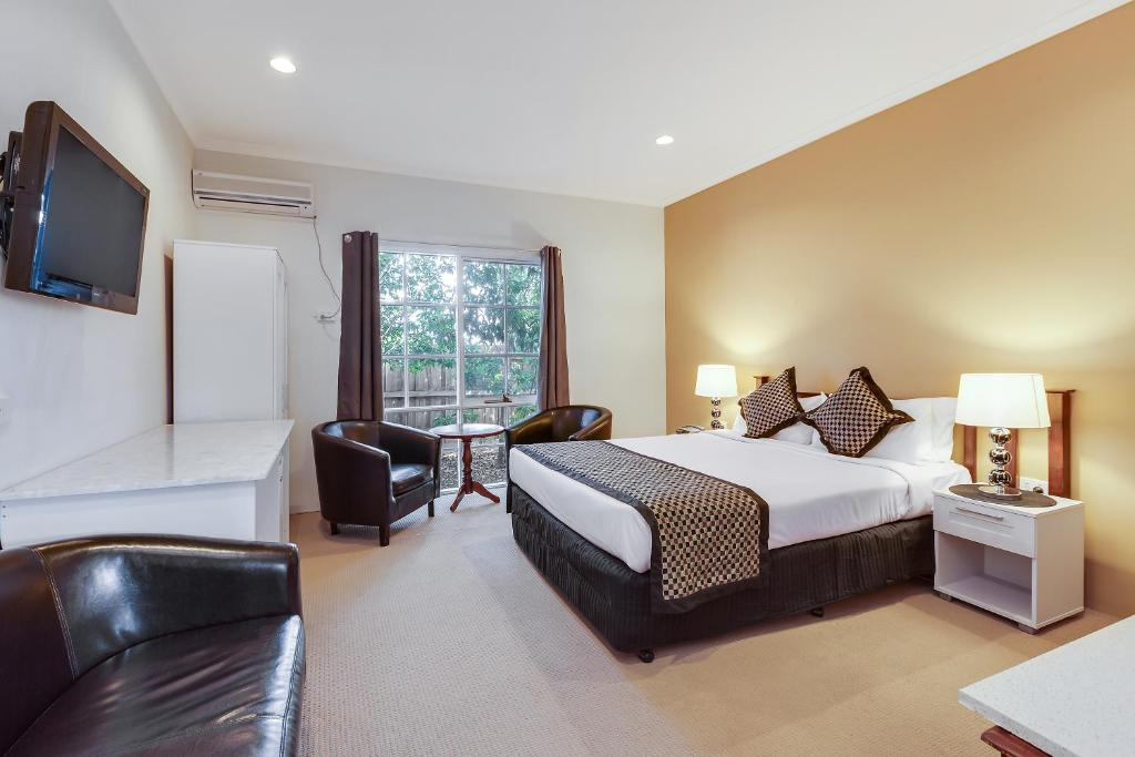 Comfort inn greensborough melbourne australia booking gallery image of this property reheart Choice Image