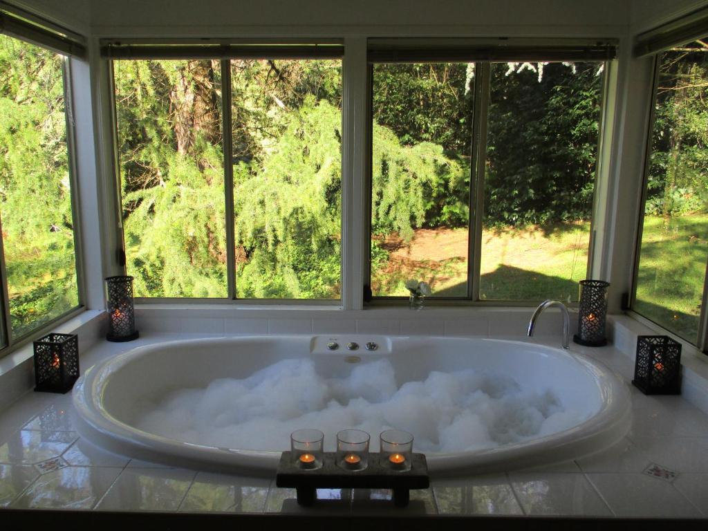 dandenong ranges cottages the patch australia. Black Bedroom Furniture Sets. Home Design Ideas