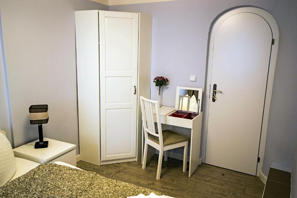 Apartment Under the Charles Bridge 3BDR Loft, Prague, Czech Republic ...