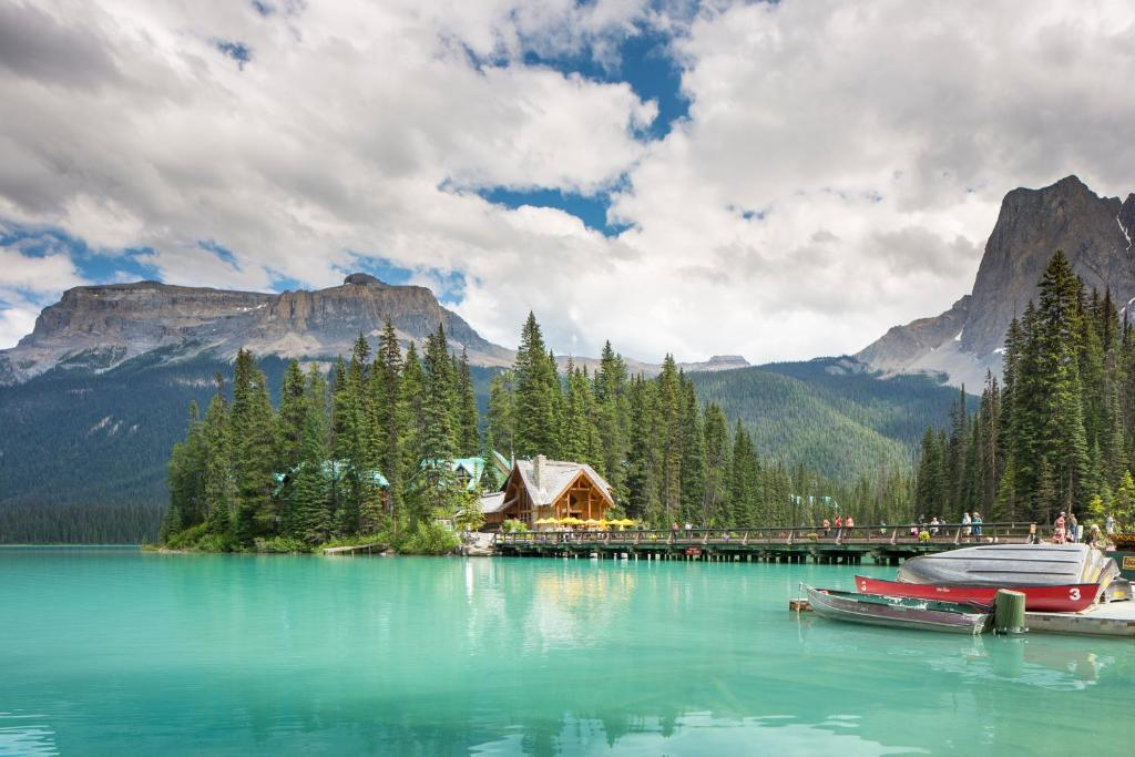 Emerald Lake Lodge Reserve Now Gallery Image Of This Property